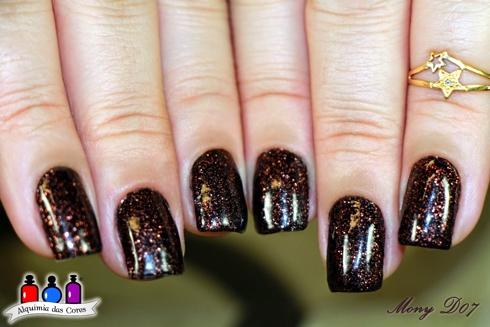 China Glaze, Getting to Gnaw You, Halloween 2014, Apocalypse Color, Mony D07, MonyD07, Simoned07, Simone D07, Marrom, Cremoglitter, Glitter, cobre,