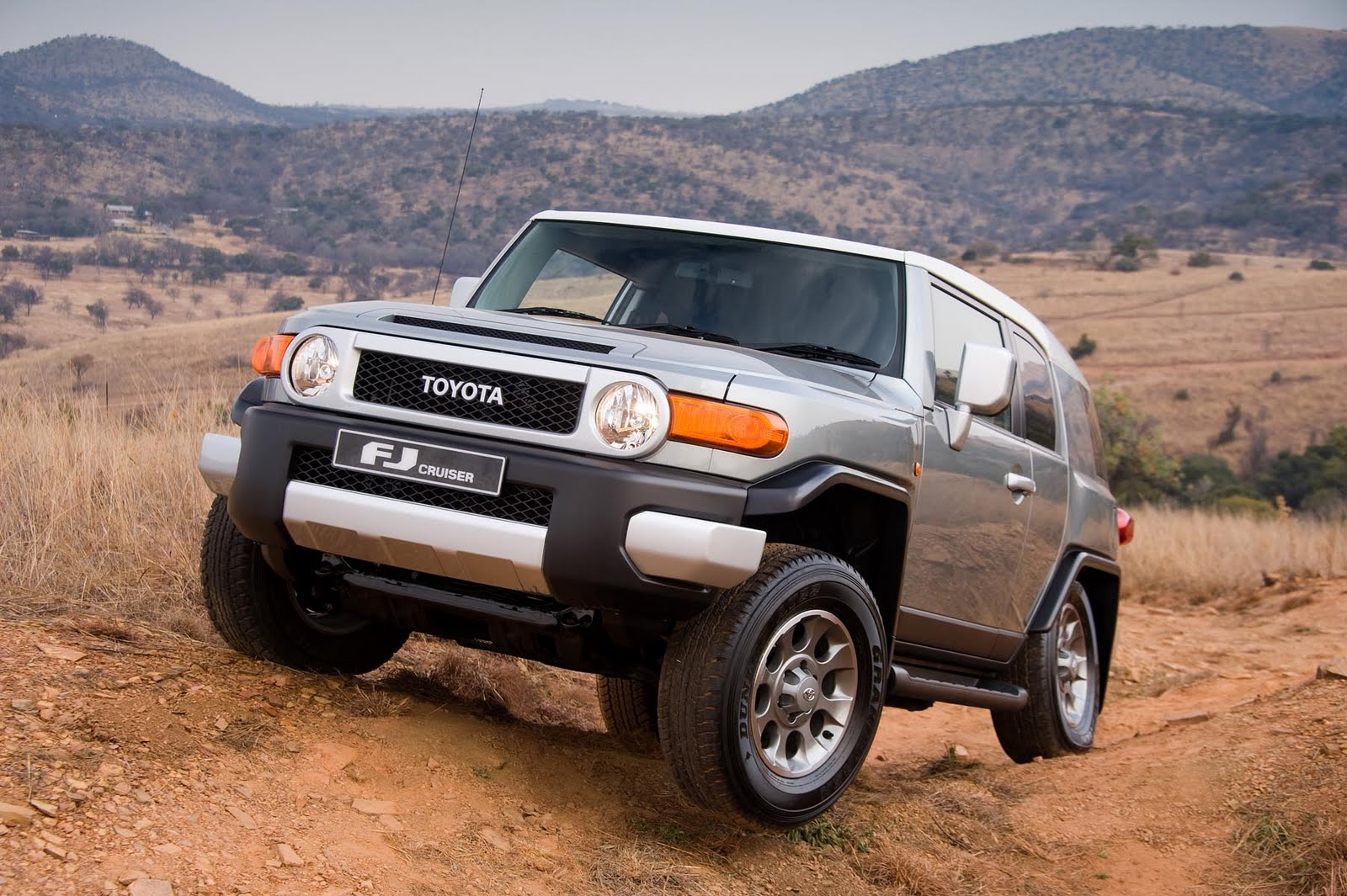 in4ride toyota fj cruiser to bruise suv market. Black Bedroom Furniture Sets. Home Design Ideas