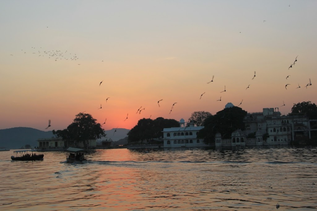 Sunset from Lake Pichola