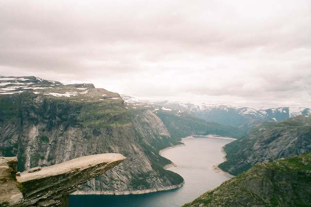 Trolltunga tip troll's tongue Norway