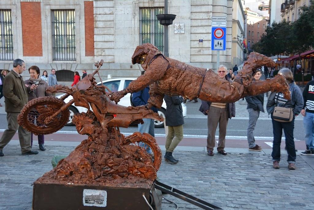 Puerta del Sol Madrid Street artists