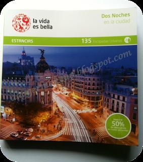 Libro que contiene la caja con todos los detalles de los hoteles