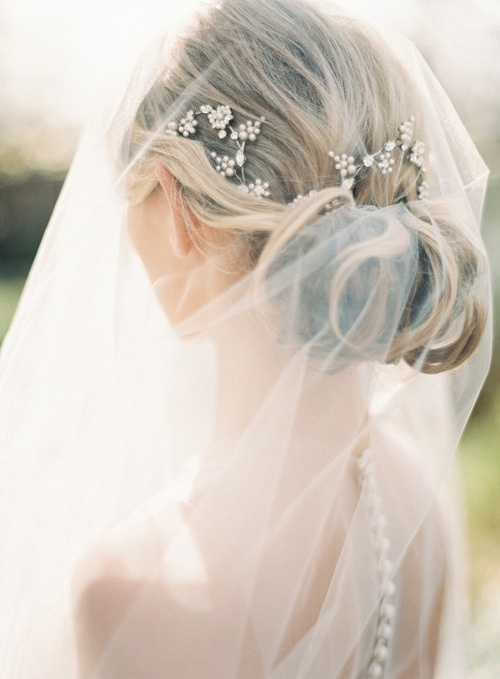 lamb & blonde: Wedding Wednesday: Lovely Hair and Veils