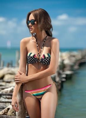 Macri Elena Vélez Sánchez Sexy Garotas Bikini Models photoshoot