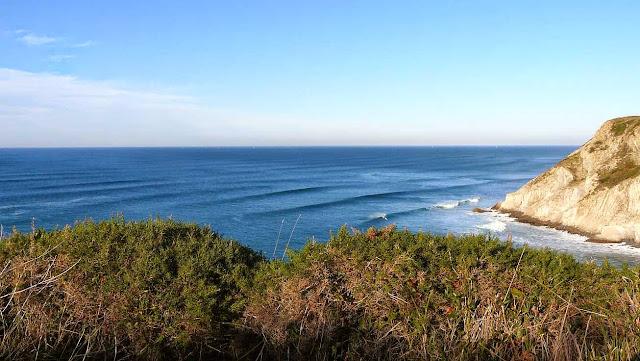 surfing menakoz 16