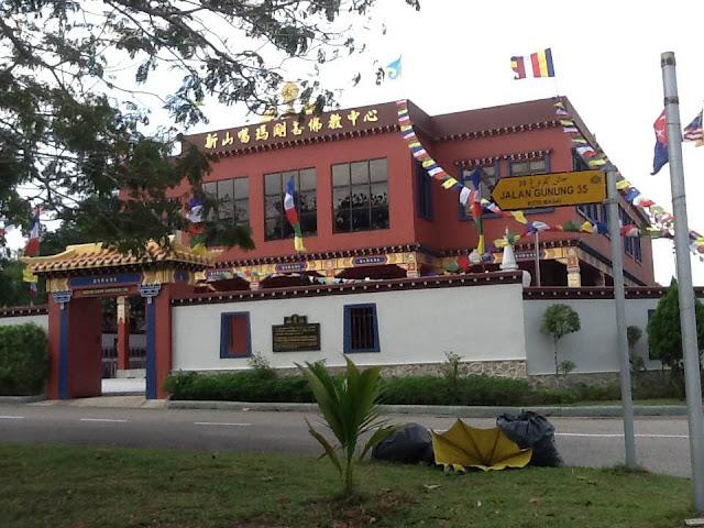 bandar seri alam buddist temple