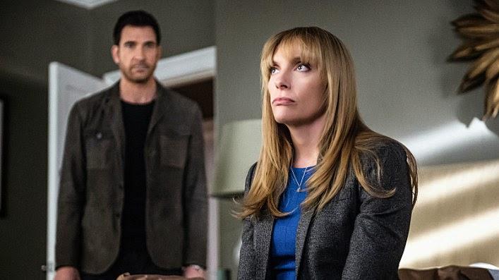 Los dos actores, en una escena de Hostages