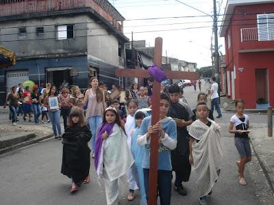 IAM e JM animam Via-Sacra das Crianças na Diocese de São Miguel Paulista, em São Paulo/SP