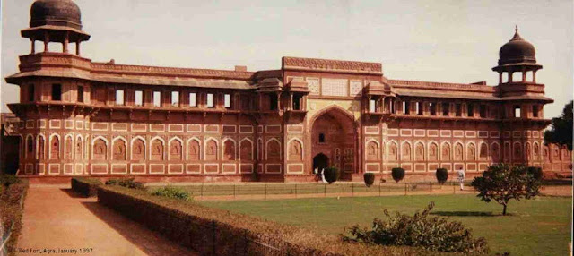 front gate seen of Lal Quila new delhi