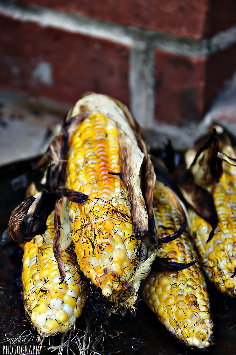Grilled corn on the cob with husks and mayo sriracha sauce grilled corn on the cob with husks ccuart Gallery