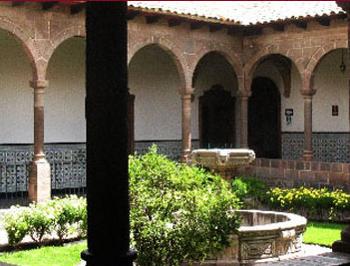 plazoleta del museo de arte religioso