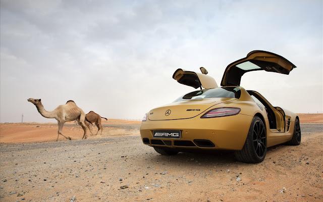 Mercedes Benz SLS AMG Gold Desert