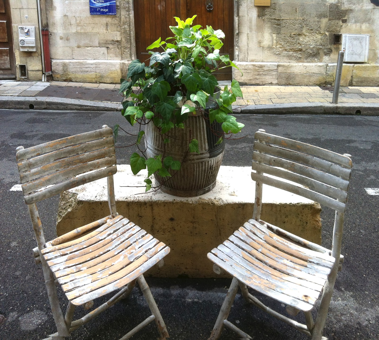 Chic provence we 39 re back from a chic provence design tour - Jardin de provence ...