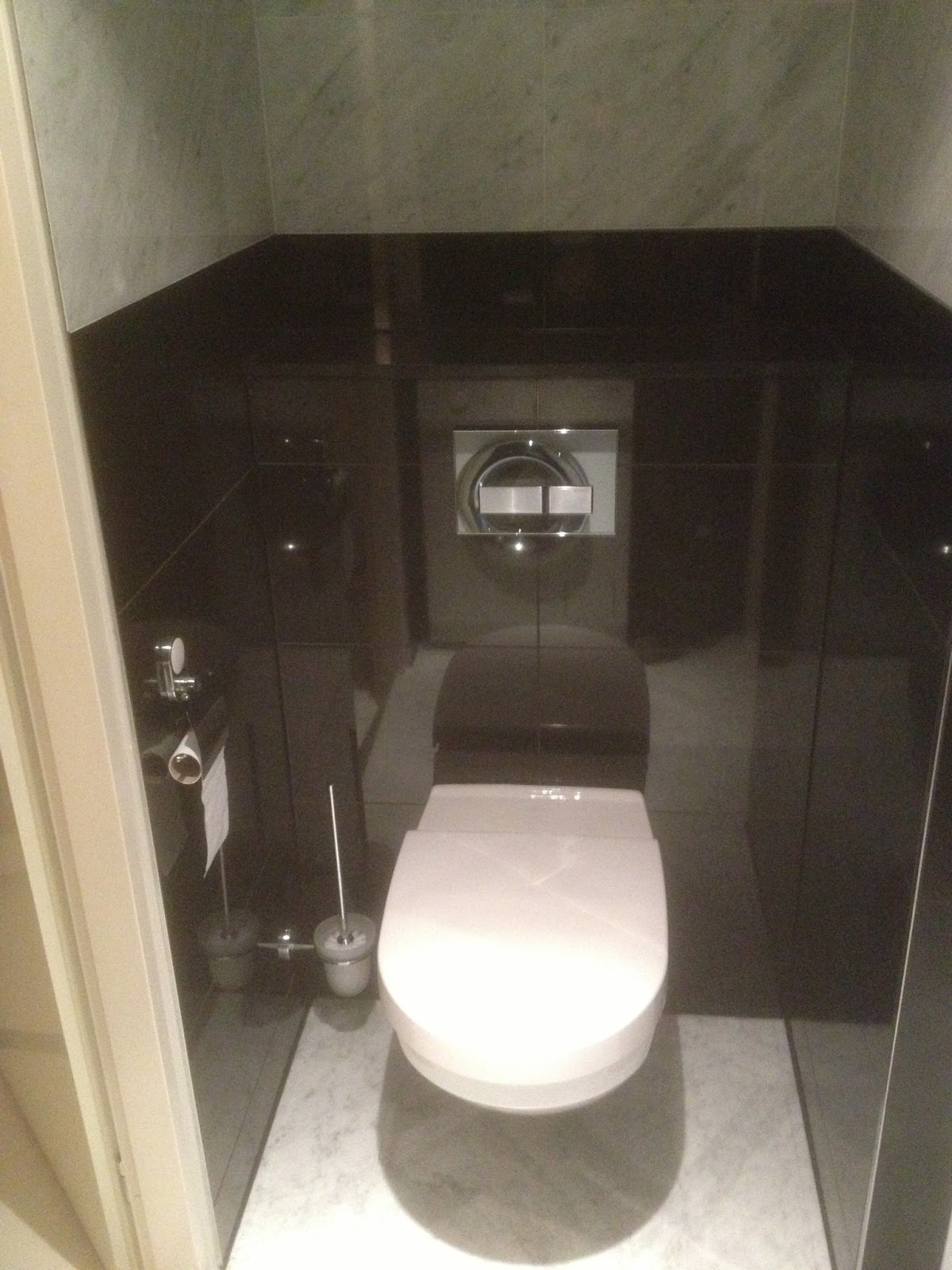 Vandenboombouw natuurstenen badkamer renovatie - Renovatie wc ...