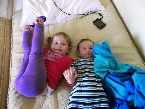 dzieci w hotelu Aurora Międzyzdroje, łóżko