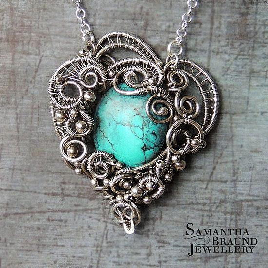 Beautiful Amulet - JapaneseCla...