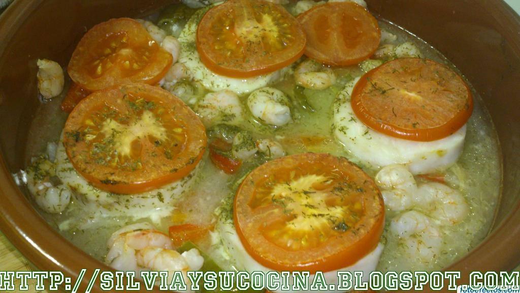 Silvia y su cocina merluza al horno con verduras y gambas for Merluza al horno facil