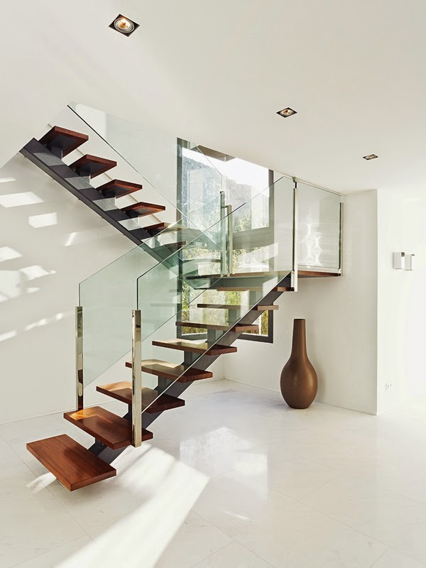 Casas minimalistas y modernas escaleras modernas modern for Escaleras casas modernas