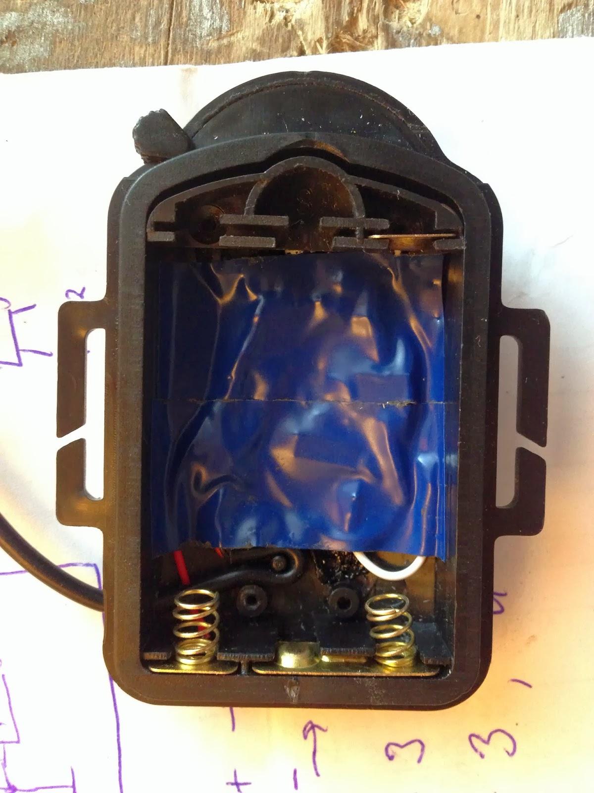 схема фонарика на attyi25