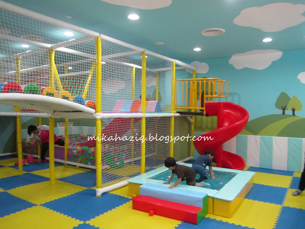 Mikahaziq children play area singapore kidzgo tampines one for Best indoor playground for toddlers