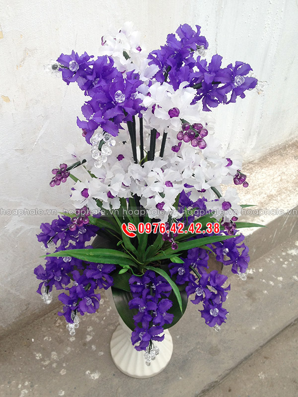Mẫu hoa lan tím trắng pha lê