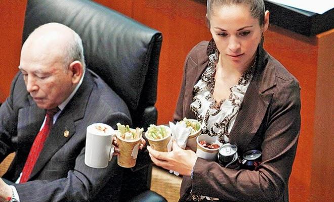 Senadores gastan más 50 mil pesos en botanas por sesión