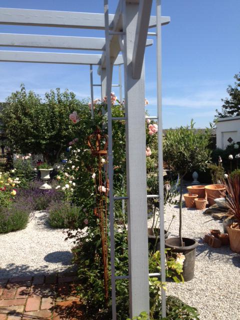 Ett tips vi vill delge är den inspirerande lilla trädgården vid ...