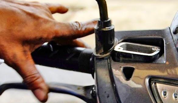 Mengganti dan Menguras Minyak Rem Sepeda Motor