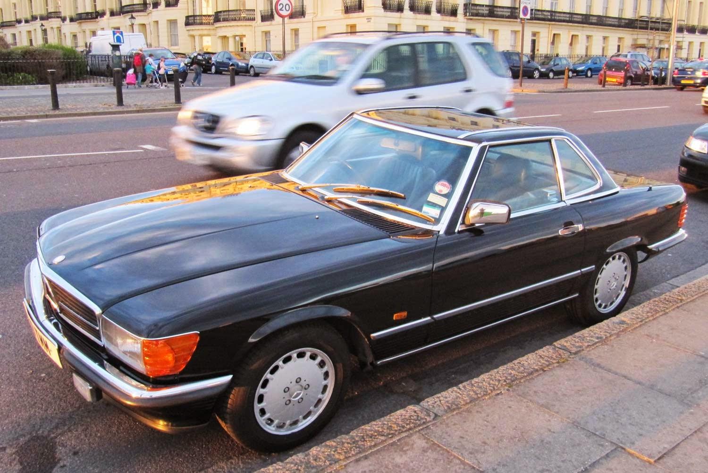 Vintage car spotting in streets of london mercedes benz for London mercedes benz