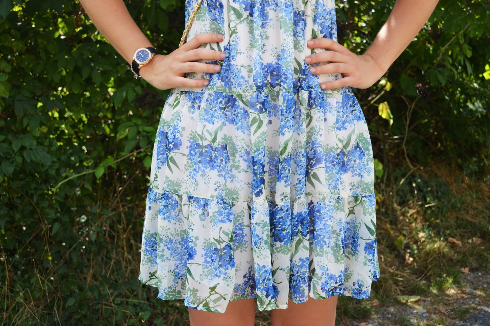 Outfit ideas: blue flower dress | The fashion peony's blog
