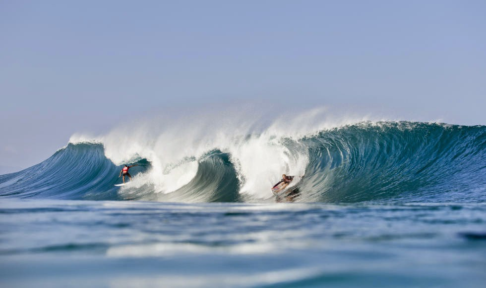 53 Billabong Pipe Masters 2014 Ezekiel Lau and Jamie O Brien Foto ASP