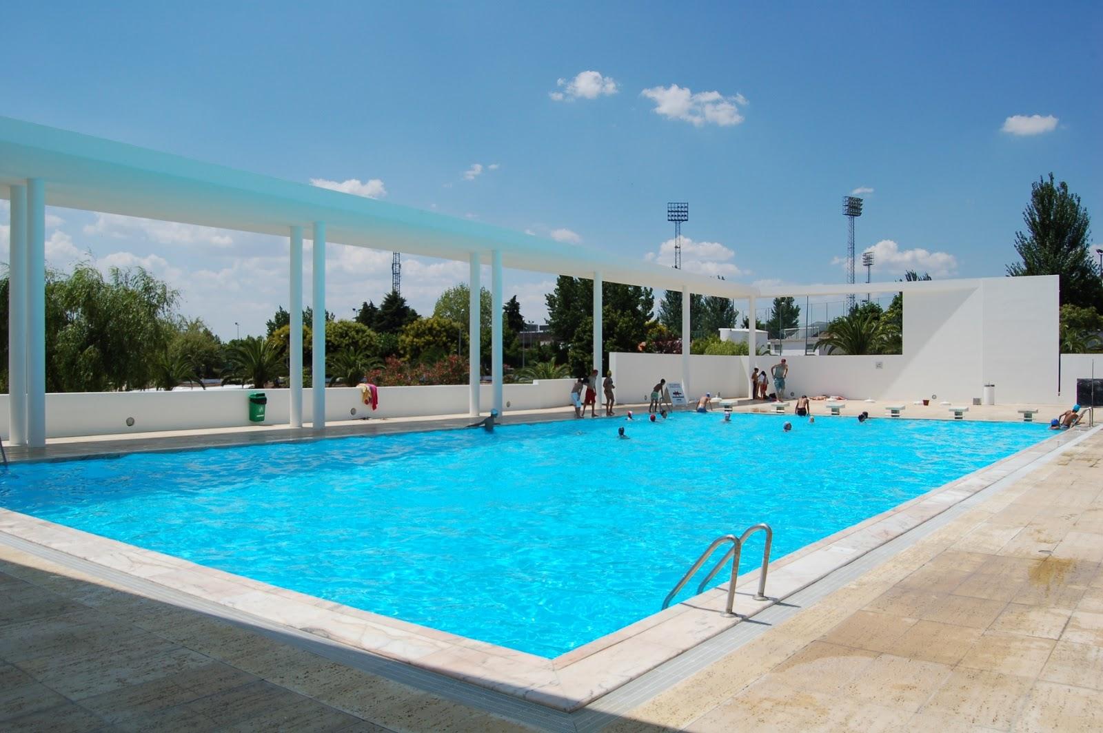Hidden architecture campo maior swimming pool - Piscinas en el campo ...