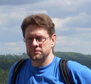 Muuttomies Olavi Lehto tarjoaa myös puutarha- ja talonmiespalveluitaan