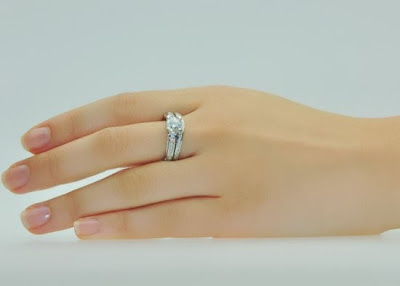 channeled-wedding-band-set