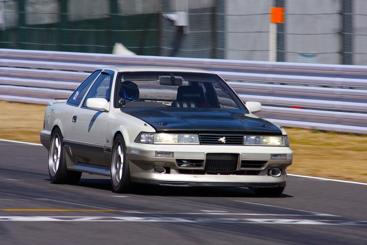 Toyota Soarer Z20 japoński grand tourer JDM