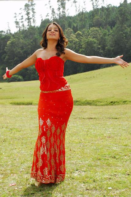 Trisha Red Dress Cute Photos