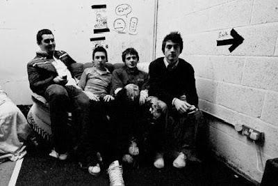 Arctic Monkeys - Suck It And See Lyrics
