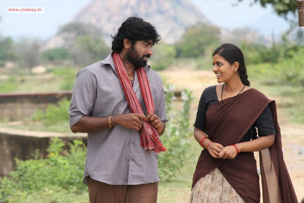 Pannaiyarum-Padminiyum-Movie-Stills
