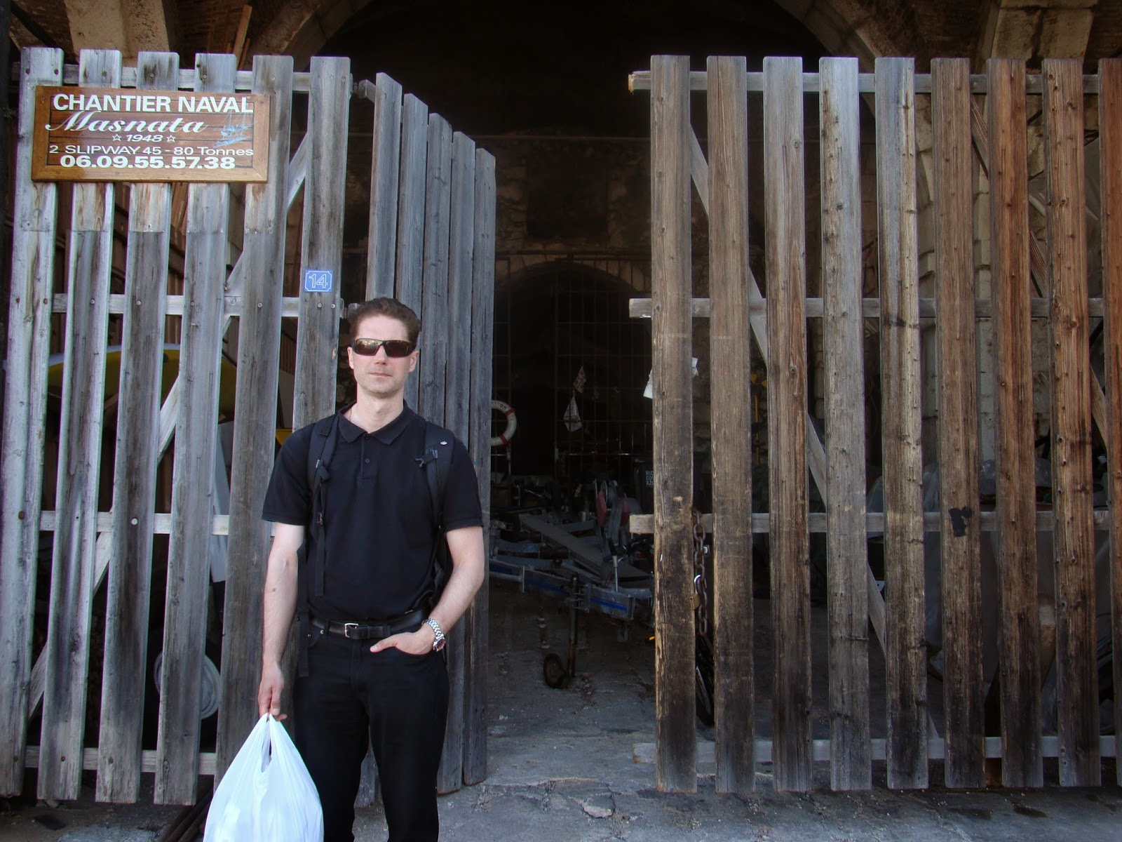 007 travelers 007 filming location old storage where