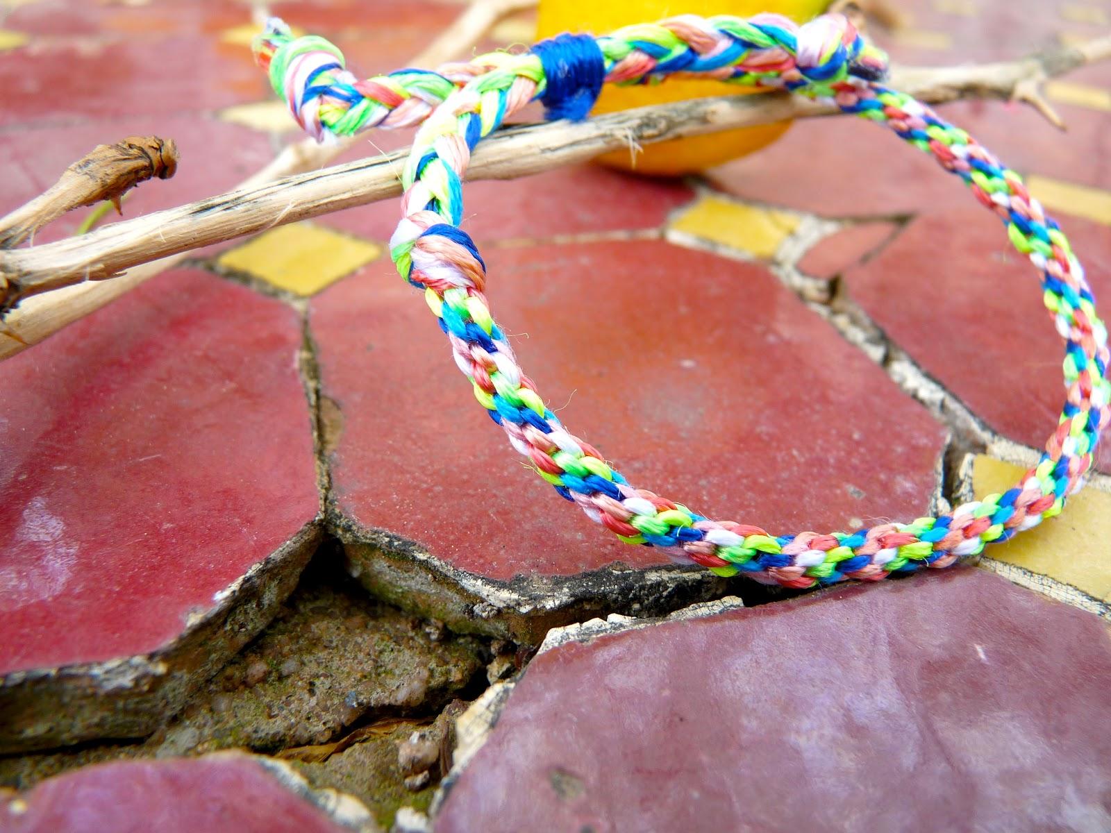 Tutoriel vid o comment faire un bracelet avec la - Comment faire un bracelet avec des boutons ...