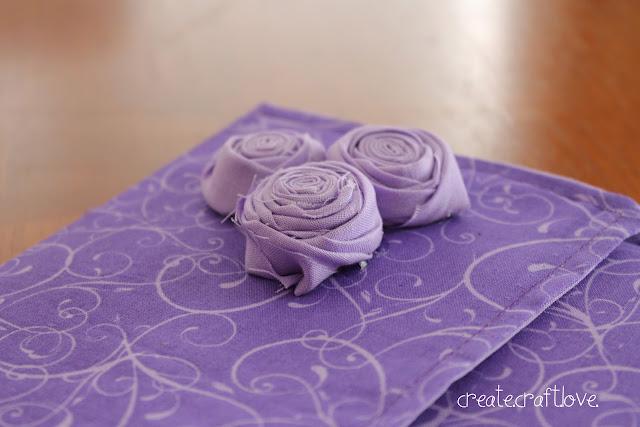 Stitched iPad Case via createcraftlove.com #sewing #ipadcase