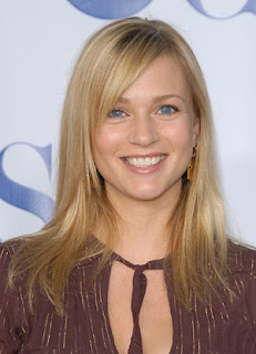 A J Cook Hairstyle Pictures
