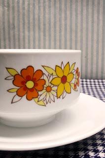 Saucière vintage fleurs jaune & orange, Bavaria série Winterling