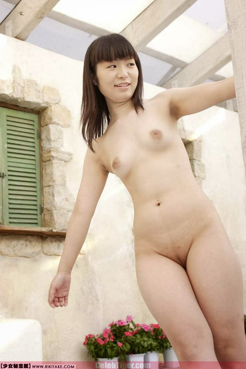 Asian School Girl Tui Kago Nude Outdoor Leaked Photos 2013  www.CelebTiger.com 139 Asian School Girl Yui Kago Nude Outdoor Photos 2013 Part 3
