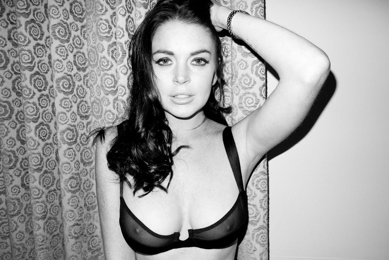 Lindsay Lohan i...