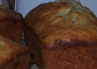 banana nut bread loaves