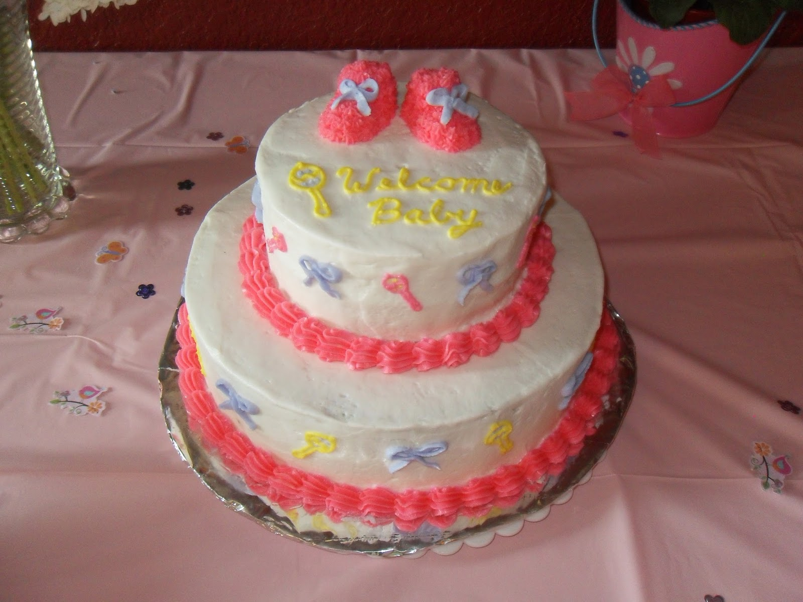 made this cute baby shower cake a couple weeks ago yes the baby is