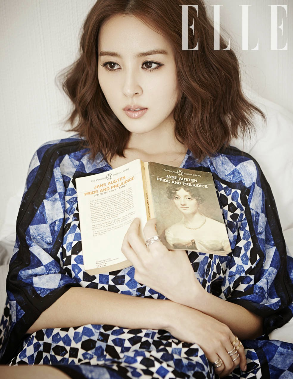 Han Hye Jin - Elle Magazine February Issue 2014