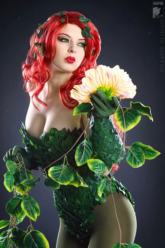 Poison Ivy from DC Comics Universe (Cosplay by Rei-Doll)