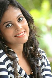 Chandini Looks VERY cute in Denim Jeans at Kiraak Release Press Meet wow cute actress